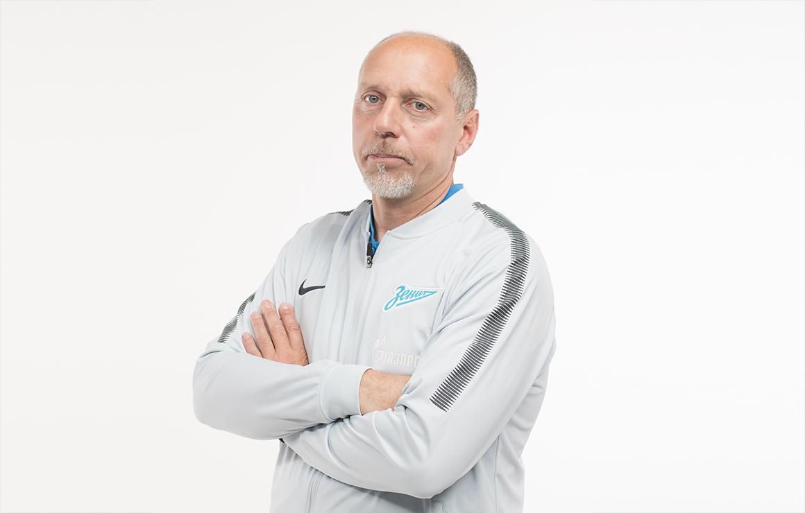Андрею Михайлову — 54!